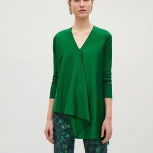 COS v-neck pleat top. Size S. Emerald green